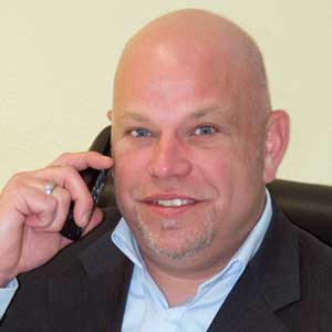 Herr Schulz im Team des Aktienclub NDAC